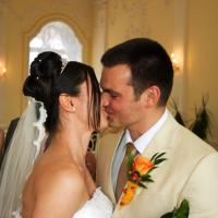 Printable Bride And Groom Sharing First Kiss - Printable Pictures Of People - Free Printable Pictures